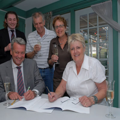 Ondertekening contract Rabobank